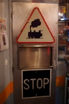 Train sign/STOP