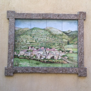 Tiled picture of the town of Merle